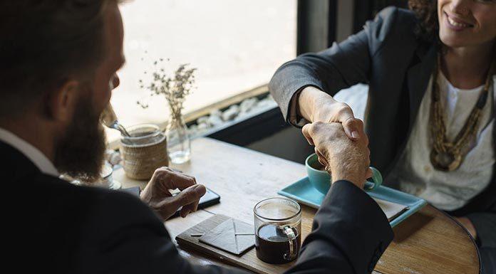 Jak sprawdzić pożyczkodawcę przed podpisaniem umowy?